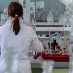 Preparatore di antineoplastici in laboratorio