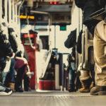 vista dei passeggeri all'interno di un autobus