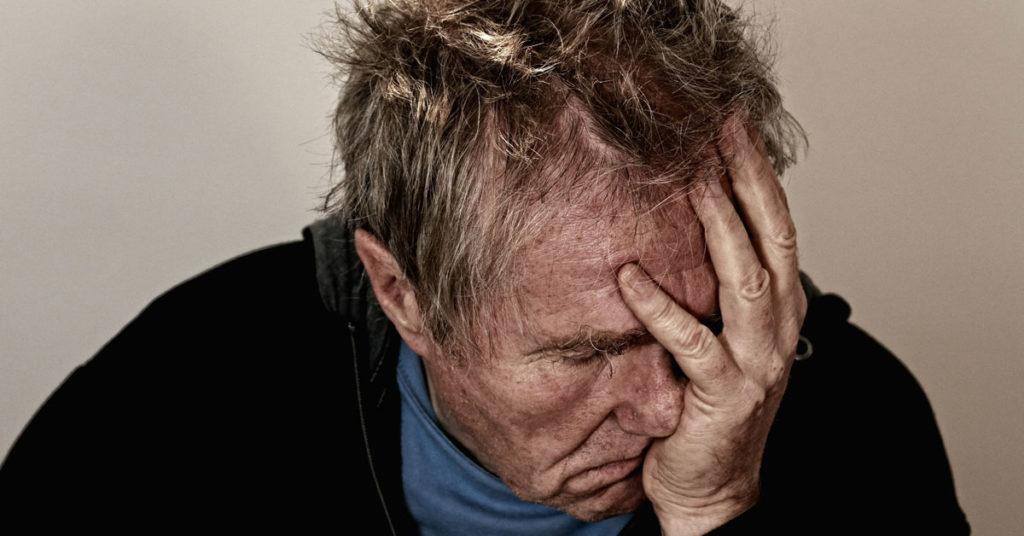Un uomo disperato, come i lavoratori colpiti da malattia professionale