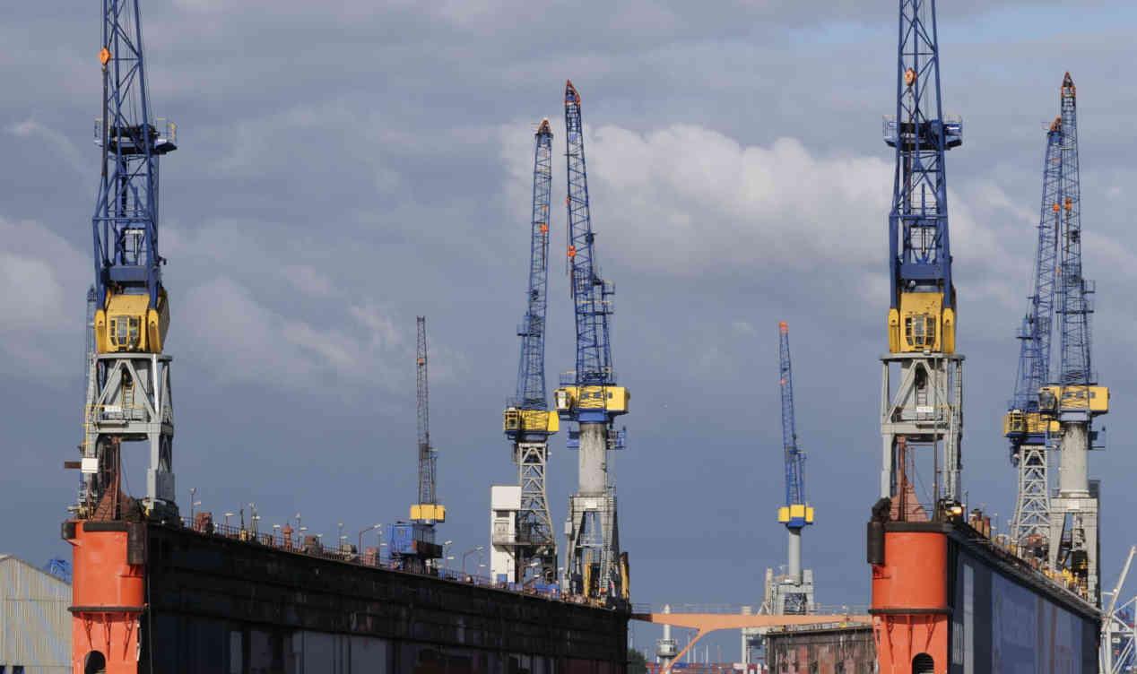 Immagine di un generico cantiere navale. Fincantieri condannata per la morte di un ex operaio nalavale deceduto per mesotelioma pleurico nel 2013