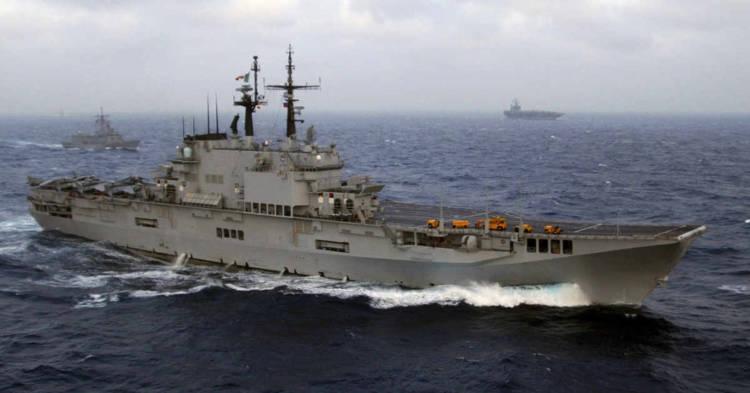 Una nave della Marina Militare. La Cassazione ha annullato l'assoluzione per gli ammiragli della Marina Militare