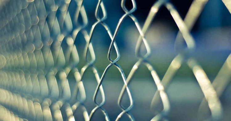 Una recinzione. Il Ministero ha pubblicato il Decreto di perimetrazione dell'area delle ex OGR Bologna