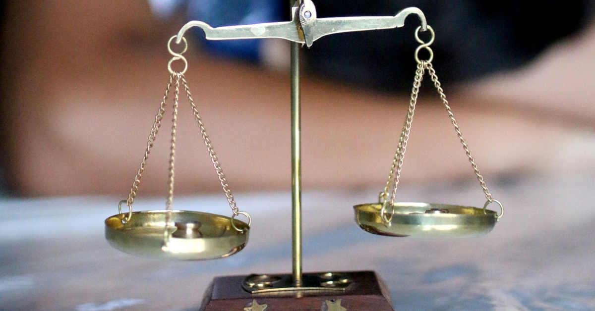 La bilancia della giustizia. La Cassazione rinvia in Appello la sentenza di condanna degli ex dirigenti dell'ILVA (Italsider) per le morti asbesto correlate nello stabilimento