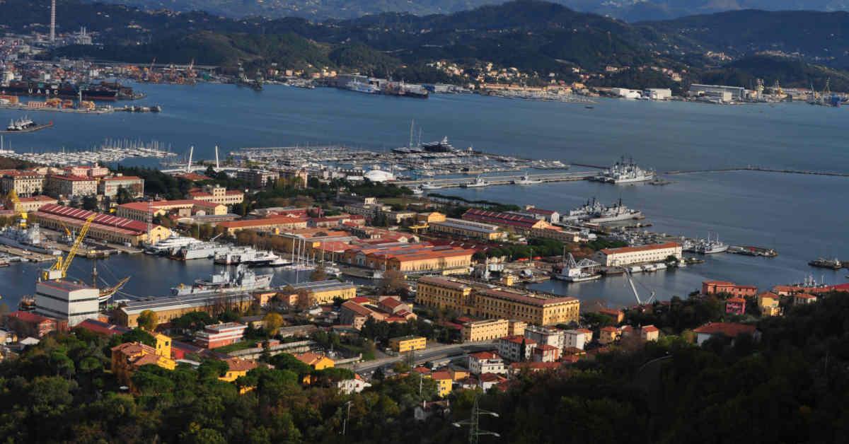 Vista del porto di La Spezia. L'area portuale rientra nel SIN di Pitelli in Liguria