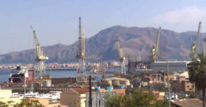 Una vista dei cantieri navali di Palermo. Ex Direttore Fincantieri condannato in Cassazione