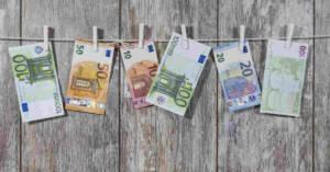Banconote in euro. L'importo del contributo del Fondo Vittime Amianto per Mesotelioma non Professionale e Familiare passa da 5600 euro a 10.000 euro. Le istruzioni dell'INAIL.