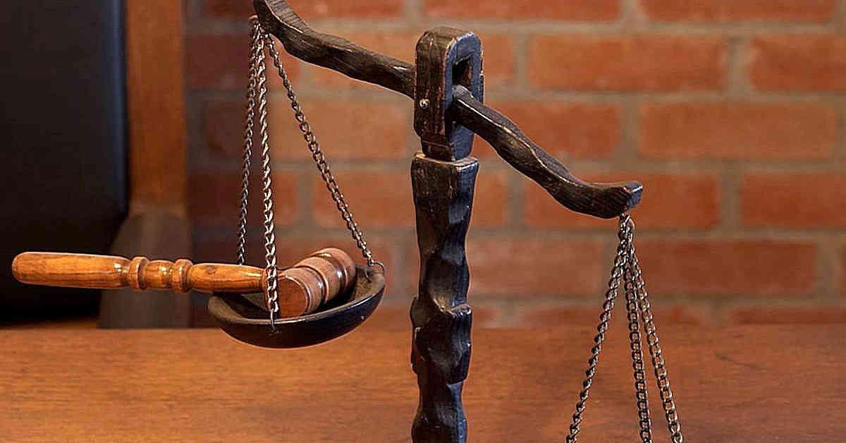 Bilancia della giustizia.Mesotelioma macchinista di Rete Ferroviaria Italiana. Intervenuta prescrizione decennale