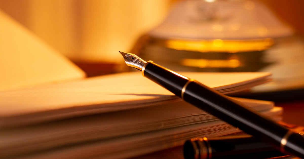 penna stilografica su quaderno