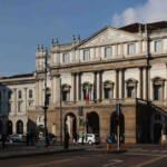 Vista dell'entrata del Teatro alla Scala