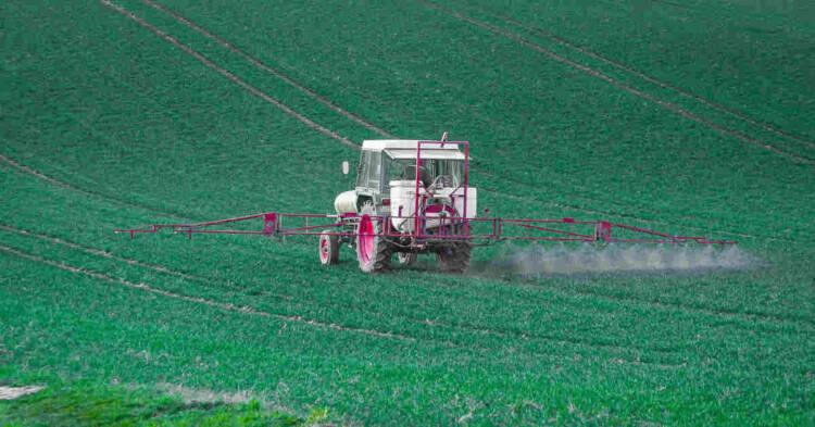 autoveicolo per l'applicazione di pesticidi