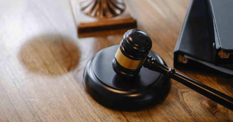 Martelletto in un'aula di tribunale
