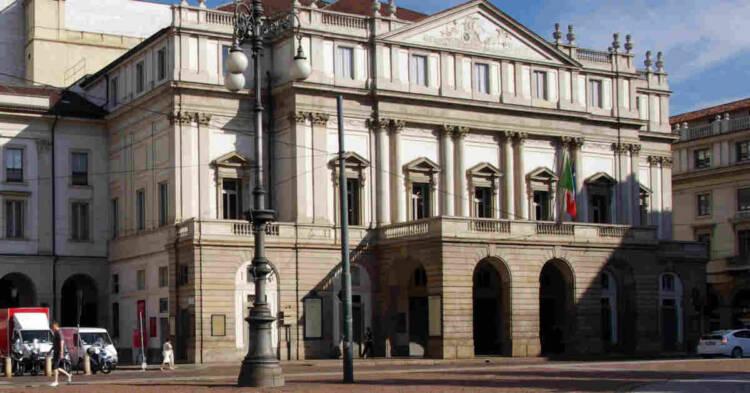 Vista della Facciata del Teatro alla Scala
